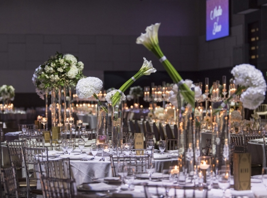 table flower decor by Flowers Time (9)