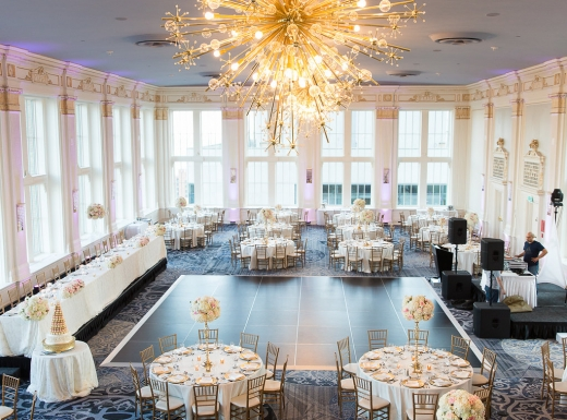 Fancy wedding decor at Omni King (21)