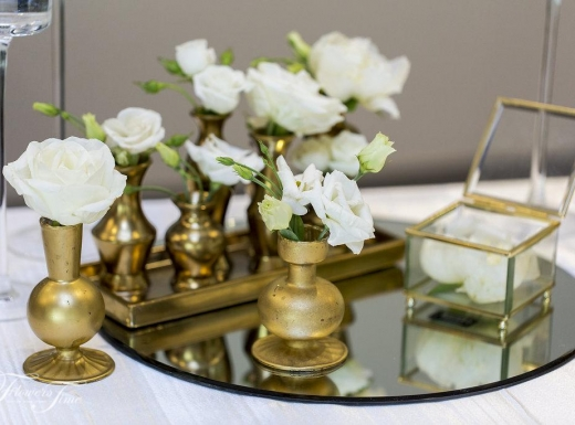 Flowers-Time-wedding-at-Doctor-House-