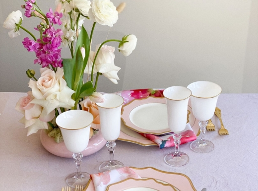 Home Event decor flowers and plates (8)