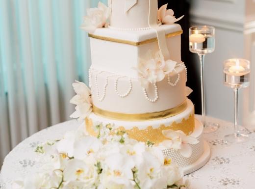 Wedding cake with flower decor