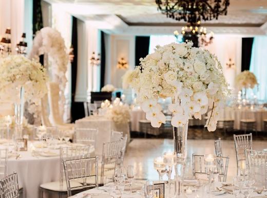 table-flower-arrangement
