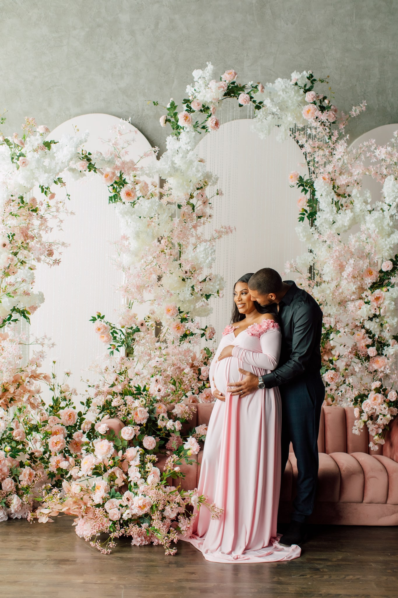 Inspirational Maternity Photoshoot Flowers Time