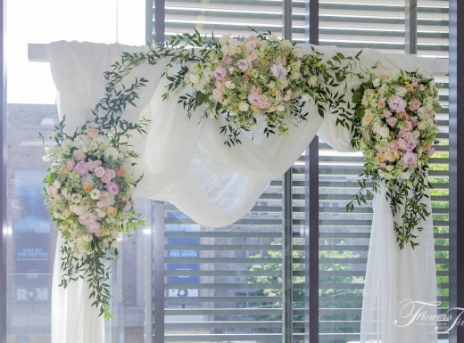 Arch-Wedding-Gardiner-museum-by-Flowers-Time