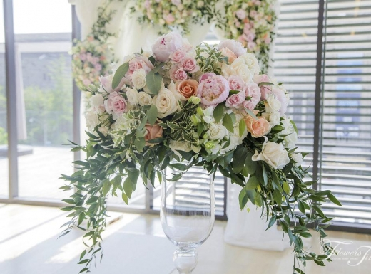 Centerpiece-Wedding-Gardiner-museum-by-Flowers-Time