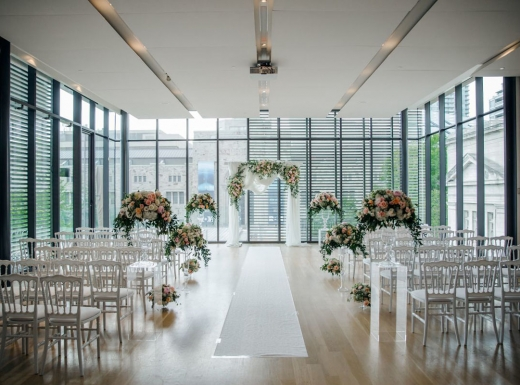 Flower-decoration-Spectacular-Wedding-Gardiner-Museum-18