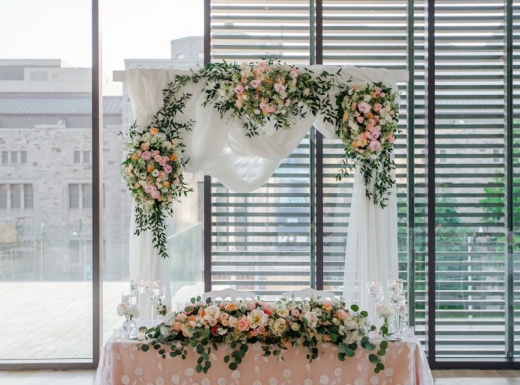 Flower-decoration-Spectacular-Wedding-Gardiner-Museum-25