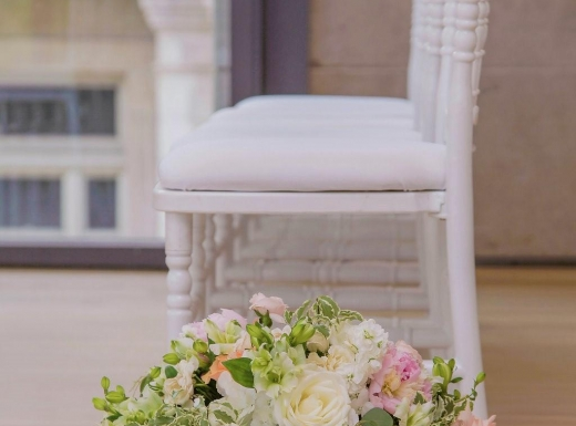 Wedding-Gardiner-museum-arrangement-by-Flowers-Time