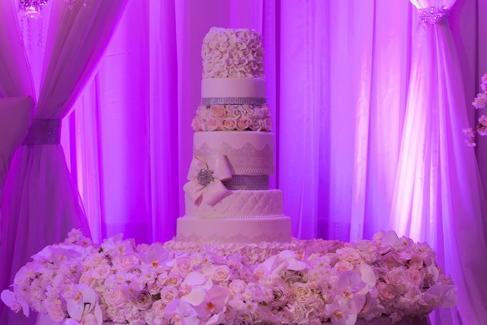 Luxurious Crystals Wedding Decor Flowers Time