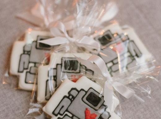 cool wedding gifts