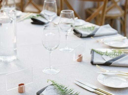 pure white elegant wedding decor (1)
