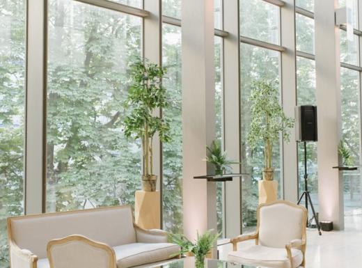 pure white elegant wedding decor (2)